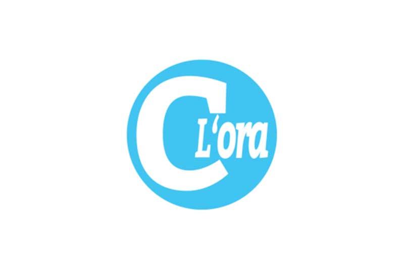 """D'Avenia consegna al Presidente De Luca il """"documento partecipato"""""""